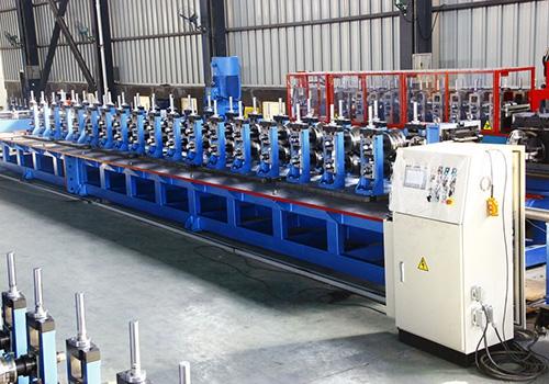 云南货架立柱冷弯成型自动生产线