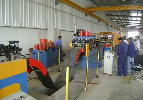 三波高速护栏板冷弯生产设备